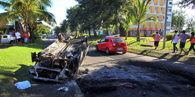 Selon le dernier bilan de la préfecture, 233 personnes ont été arrêtées et 159 placées en garde à vue lors des troubles qui ont frappé La Réunion, la semaine dernière.