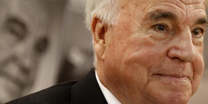 Helmut Kohl, au salon du livre de Francfort, le 8 octobre 2010.