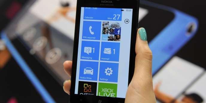Un Windows phone de la marque Nokia.