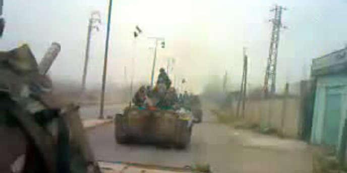 Capture écran d'une vidéo qui montre des chars évoluer vers Huran, dans la région de Deraa, le 29 février.