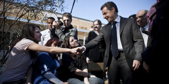 Nicolas Sarkozy en visite dans un internat d'excellence à Montpellier, mardi 28 février 2012.