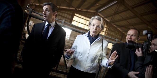 Avant d'aller à bayonne, Nicolas Sarkozy s'était rendu dans une ferme à Itxassou (Pyrénées-Atlantiques), jeudi 1er mars, avec la députée UMP Michèle Alliot-Marie.