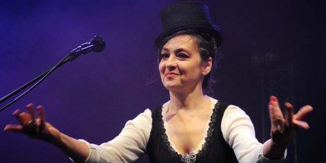 La chanteuse Catherine Ringer lors d'un concert à Toulouse en avril 2008.