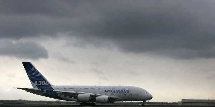 Les passagers en provenance des pays les plus touchés par l'épidémie d'Ebola feront l'objet de contrôles renforcés à leur arrivée en France.