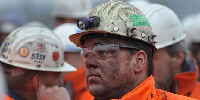 En Allemagne, les revalorisations salariales sont négociées entre syndicats et employeurs pour plusieurs année (ici, manifestation pour une hausse des salaires le 10 novembre 2011 à Salzgitter).