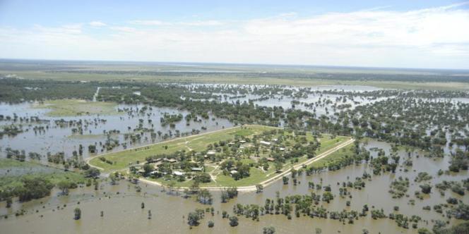 Le village d'Alice Edwards submergé par les eaux, au nord-ouest de Sydney, le 6 mars.