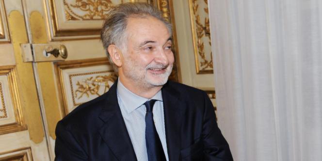 L'écrivain et économiste Jacques Attali à Paris, le 24 janvier 2012.