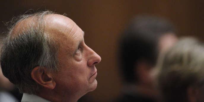 Immédiatement après sa mise en examen, le 17 janvier, Philippe Courroye avait déposé une requête en nullité auprès de la chambre de l'instruction de la cour d'appel de Paris.