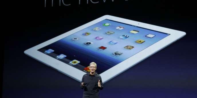 Tim Cook, directeur général d'Apple, lors de la présentation du nouvel iPad, mercredi 7 mars, à San Francisco.