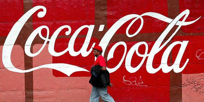 L'association de Coca-Cola avec la musique n'est pas nouvelle. Les exemples de cobranding (partenariat pour le développement, la commercialisation ou la communication d'un produit ou d'un service) entre Coca-Cola et les artistes sont nombreux.