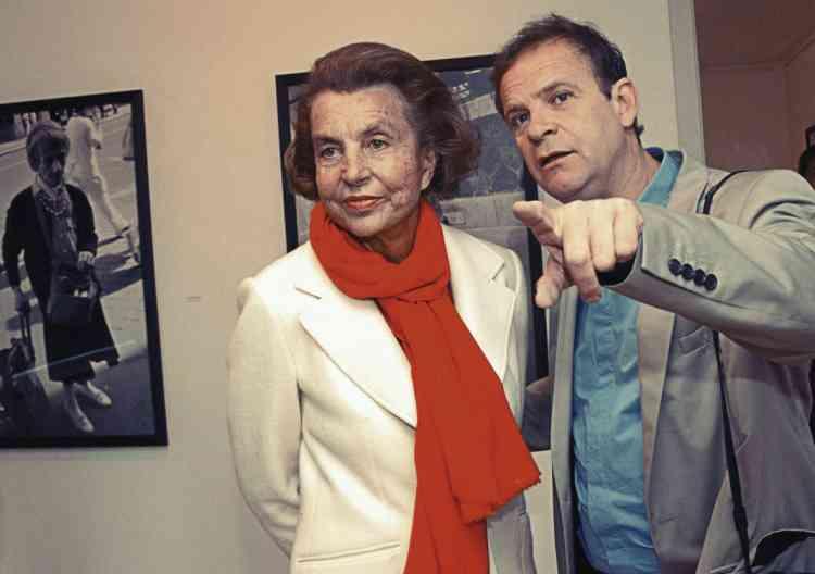 Liliane Bettencourt et François-Marie Banier, l'écrivain photographe par  lequel le conflit  est arrivé. -