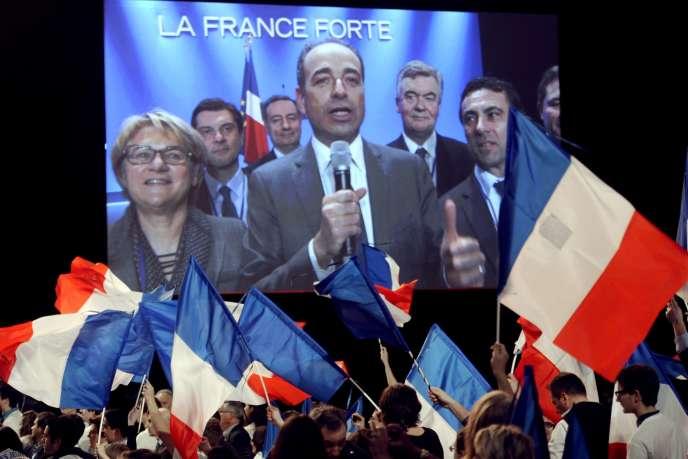 Jean-François Copé sur l'écran géant installé pour le meeting de Nicolas Sarkozy à Bordeaux, le 3 mars 2012.