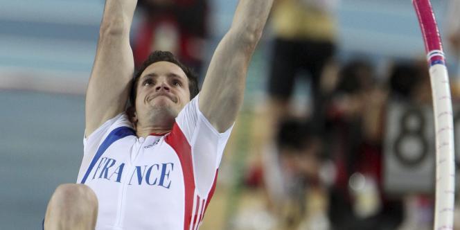 Renaud Lavillenie est champion du monde en salle de saut à la perche.