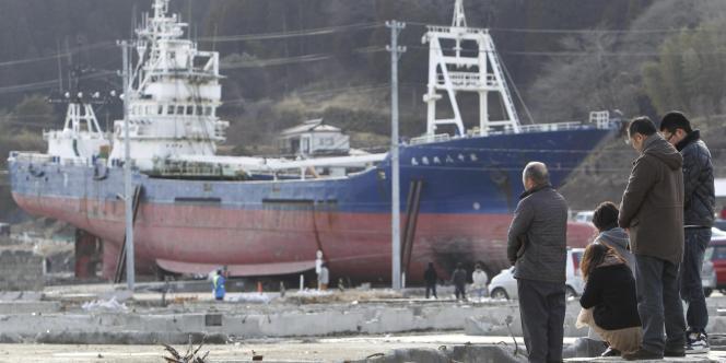 Commémoration du premier anniversaire du tsunami, le 11 mars 2012, à Kesennuma.