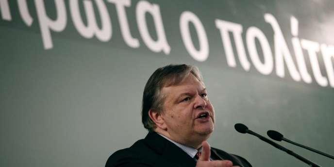 Evangelos Venizélos, le ministre des finances, a été élu à la direction du Parti socialiste grec (Pasok) lors d'un scrutin interne le 18 mars.