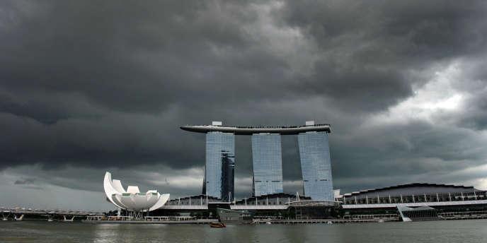 Le milliardaire américaine Sheldon Adelson est aussi responsable du développement des casinos à Singapour et à Macao. Ici, le Marina Bay Sands casino de Singapour.
