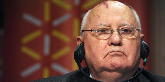 L'ancien président de l'URSS, aujourd'hui à la tête de l'ONG Green Cross International, se prononce aussi pour l'abandon de l'énergie nucléaire.