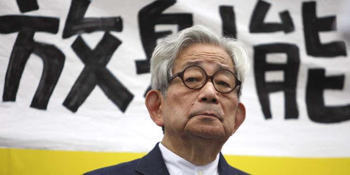 Le Prix Nobel de littérature, Kenzaburô Ôé, à Tokyo, le 19 septembre 2011.