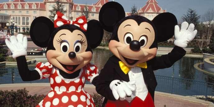 Le parc d'attractions Disneyland Paris a attiré presque autant de visiteurs que la tour Eiffel depuis 1889.