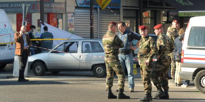 Le lieu de la fusillade de Montauban durant laquelle deux parachutistes du 17e régiment sont morts et un troisième a été grièvement blessé le 15 mars 2012.