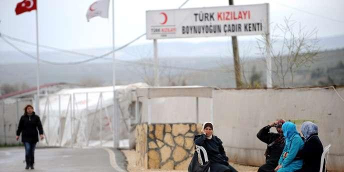 Des réfugiés syriens en Turquie, le 14 mars 2012.
