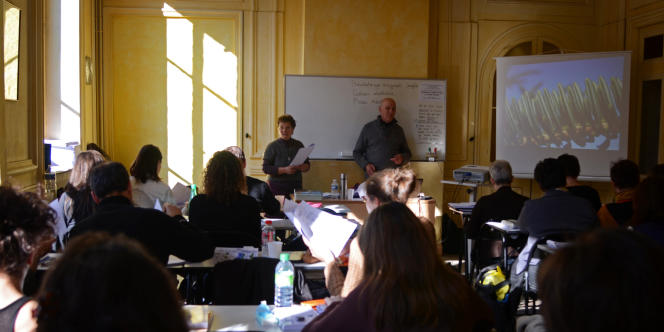 Le cours de botanique de Rita et George Renaud à l'Ecole lyonnaise des plantes médicinales.