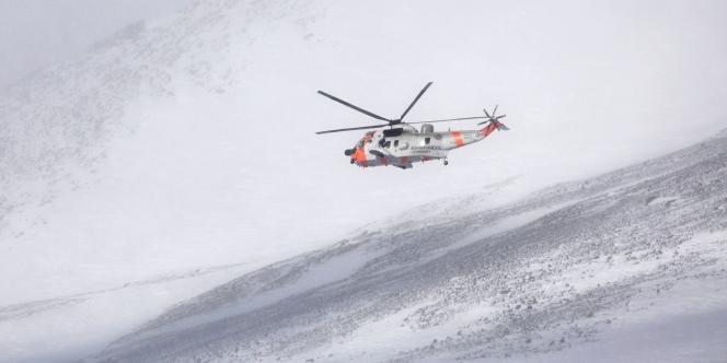 Il n'y avait aucun signe des cinq militaires norvégiens portés disparus depuis jeudi lors de manœuvres militaires de l'OTAN.