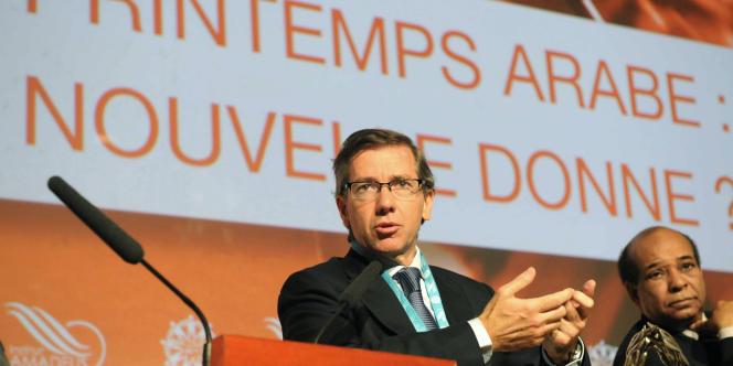 Bernardino Leon, alors représentant spécial de l'Union européenne, durant une conférence sur le