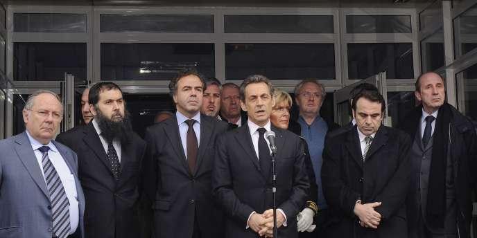 A Toulouse, le chef de l'Etat a demandé qu'une minute de silence soit observée dans toutes les écoles en France, mardi 20 mars.