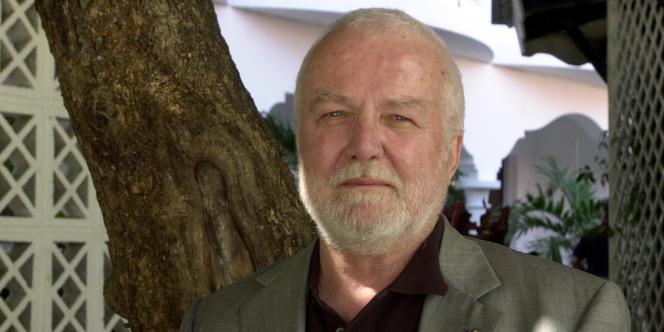 L'écrivain américain Russell Banks à Port-au-Prince en décembre 2007.