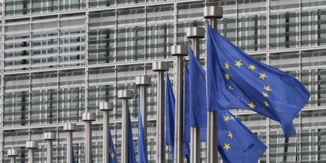 Au total, en 2013, la population a augmenté dans 15 pays de l'UE, en particulier le Luxembourg, Malte, la Suède, l'Autriche, le Royaume-Uni et le Danemark. Elle a baissé dans 13, principalement la Lettonie, la Lituanie, Chypre, mais aussi la Grèce, le Portugal, la Bulgarie et l'Espagne.