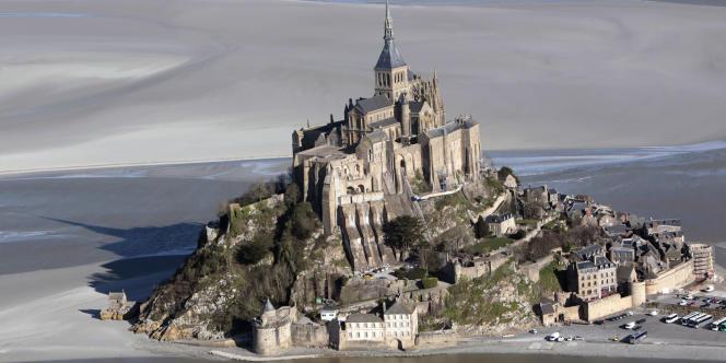L'abbaye, classée au patrimoine mondial de l'Unesco, est le deuxième monument géré par l'Etat le plus visité derrière l'Arc de Triomphe de l'Etoile, à Paris.