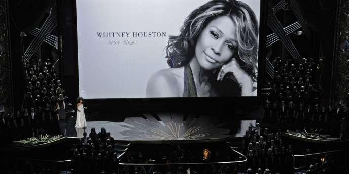 Hommage à Whitney Houston, lors de la 84e cérémonie des Grammy Awards, le 26 février 2012.
