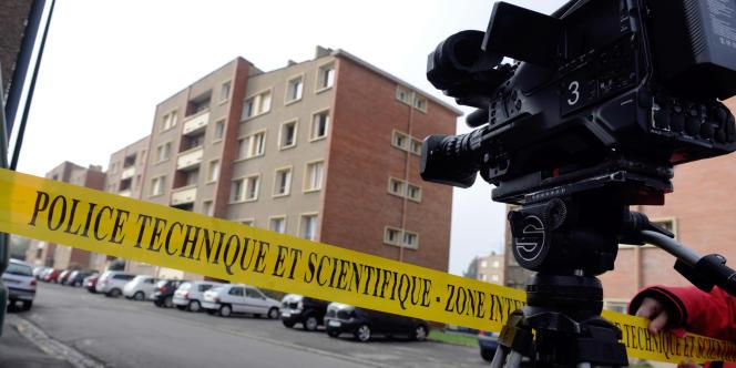 A Toulouse, devant l'immeuble de Mohamed Merah, où l'assaut a été donné par le RAID.