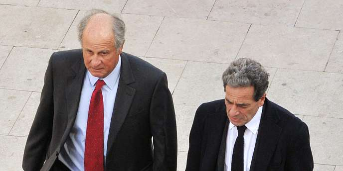 Patrice de Maistre et son avocat, le 22 mars, avant son placement en détention à Bordeaux.