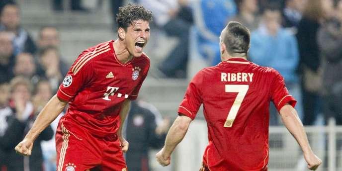 Mario Gomez crie sa joie après avoir inscrit le premier but du Bayern Munich contre l'OM lors du match aller des quarts de finale de la Ligue des champions, le 28 mars.