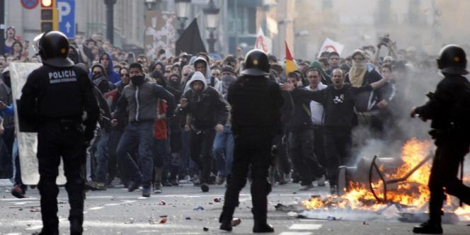 A Barcelone, le 29 mars, lors de la grève générale décrété les syndicats.