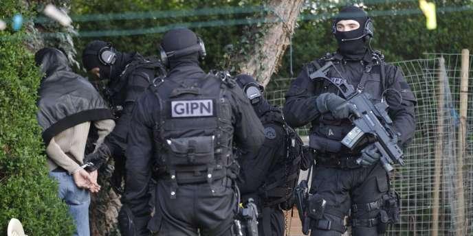 Des membres du GIPN à Nantes, le 30 mars 2012.