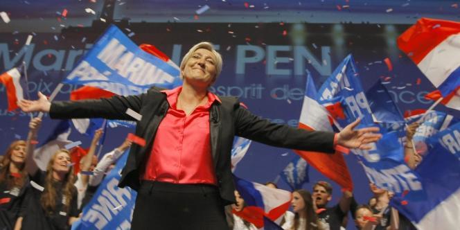 Marine Le Pen, lors d'un meeting à Nice, le 30 mars 2012.