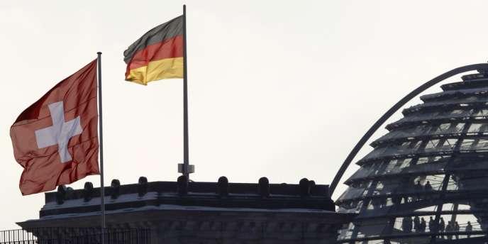 Selon le FTD, le fisc du riche Etat du Bade-Wurtemberg a vu 117 fraudeurs se dénoncer à ses guichets pendant la première semaine d'août, et au total 287 depuis le 15 juillet.