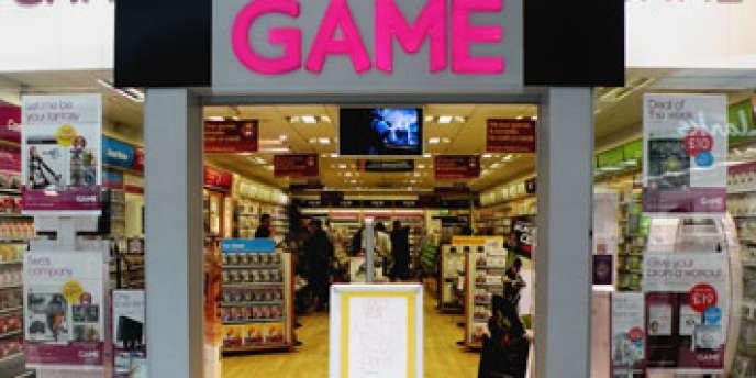 Game est concurrencée par des distributeurs généralistes, comme la Fnac, Auchan ou Carrefour. Mais, en plus, l'enseigne subit de plein fouet les mutations du secteur des jeux vidéos.