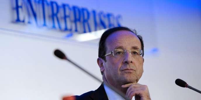 François Hollande, le 2 avril au siège de la CGPME à Paris.