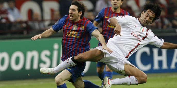 Toute la science défensive d'Alessandro Nesta dans cette intervention sur Lionel Messi, le 28 mars à Milan.