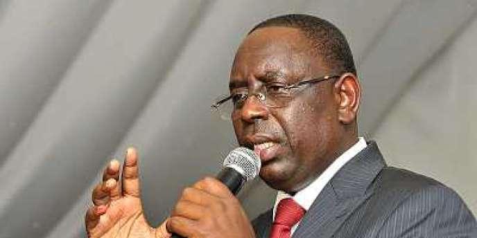 La coalition de partis qui soutenait le président sénégalais Macky Sall a largement remporté les élections législatives de dimanche 1er juillet 2012.