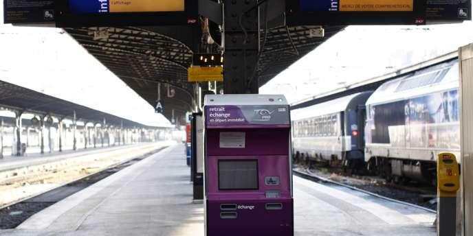 Vue d'un quai de la gare de l'Est, à Paris, le 3 avril 2012.
