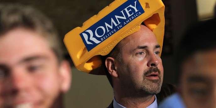 Un supporter du candidat aux primaires républicaines Mitt Romney lors d'un meeting à Milwaukee, dans le Wisconsin, le 3 avril 2012.