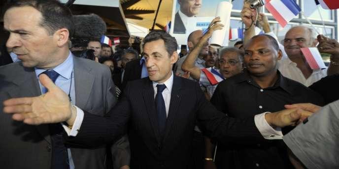 Nicolas Sarkozy à son arrivée à Saint-Denis de la Réunion, mercredi 4 avril.