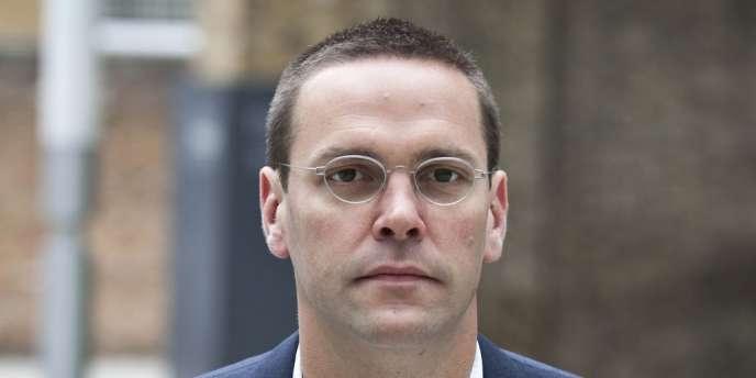 James Murdoch, cadet de Rupert Murdoch, a démissionné mardi de la présidence du bouquet satellitaire BSkyB.