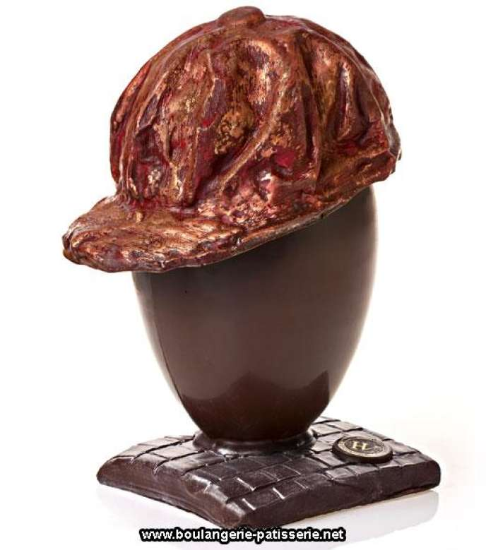 Oeuf coiffé de la casquette de Gavroche, chez le chocolatier Hugo & Victor.