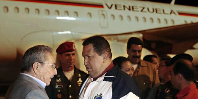 Hugo Chavez et Raul Castro, le 1er avril 2012 à La Havane.